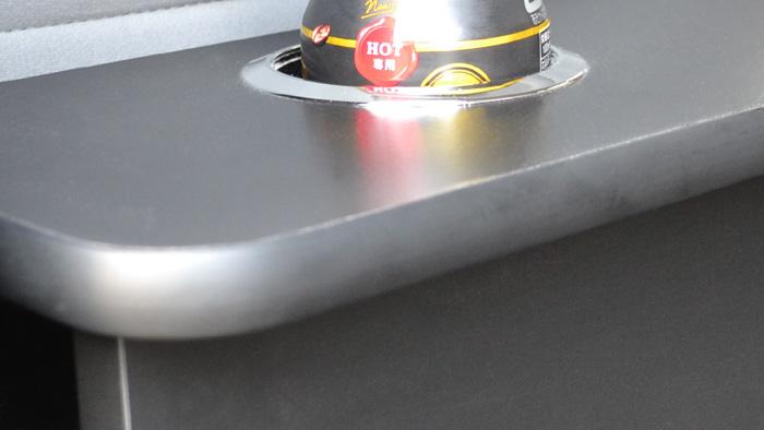 ハイエース-リアシートテーブル画像7